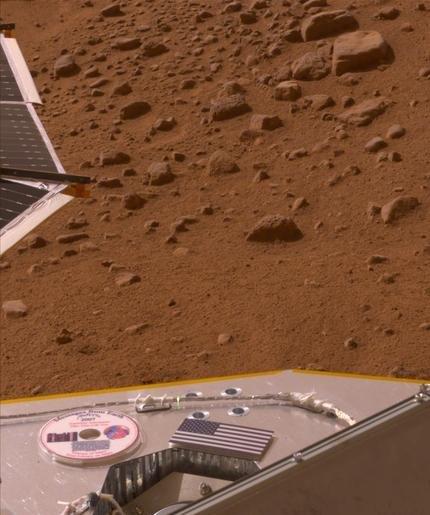 El Mini DVD con ya está con Phoenix en Marte